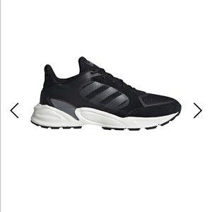 Adidas running valasion tennis shoes nwt black